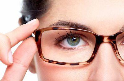 cận thị 1 bên mắt